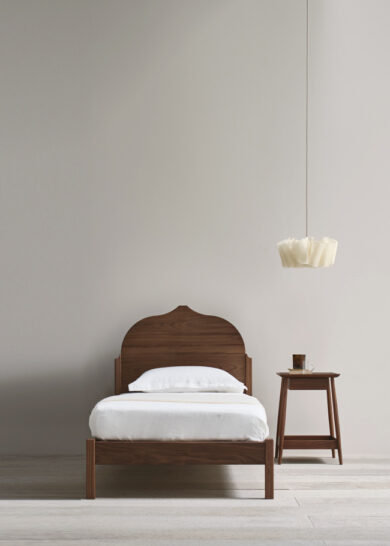 Christo bed single thumb